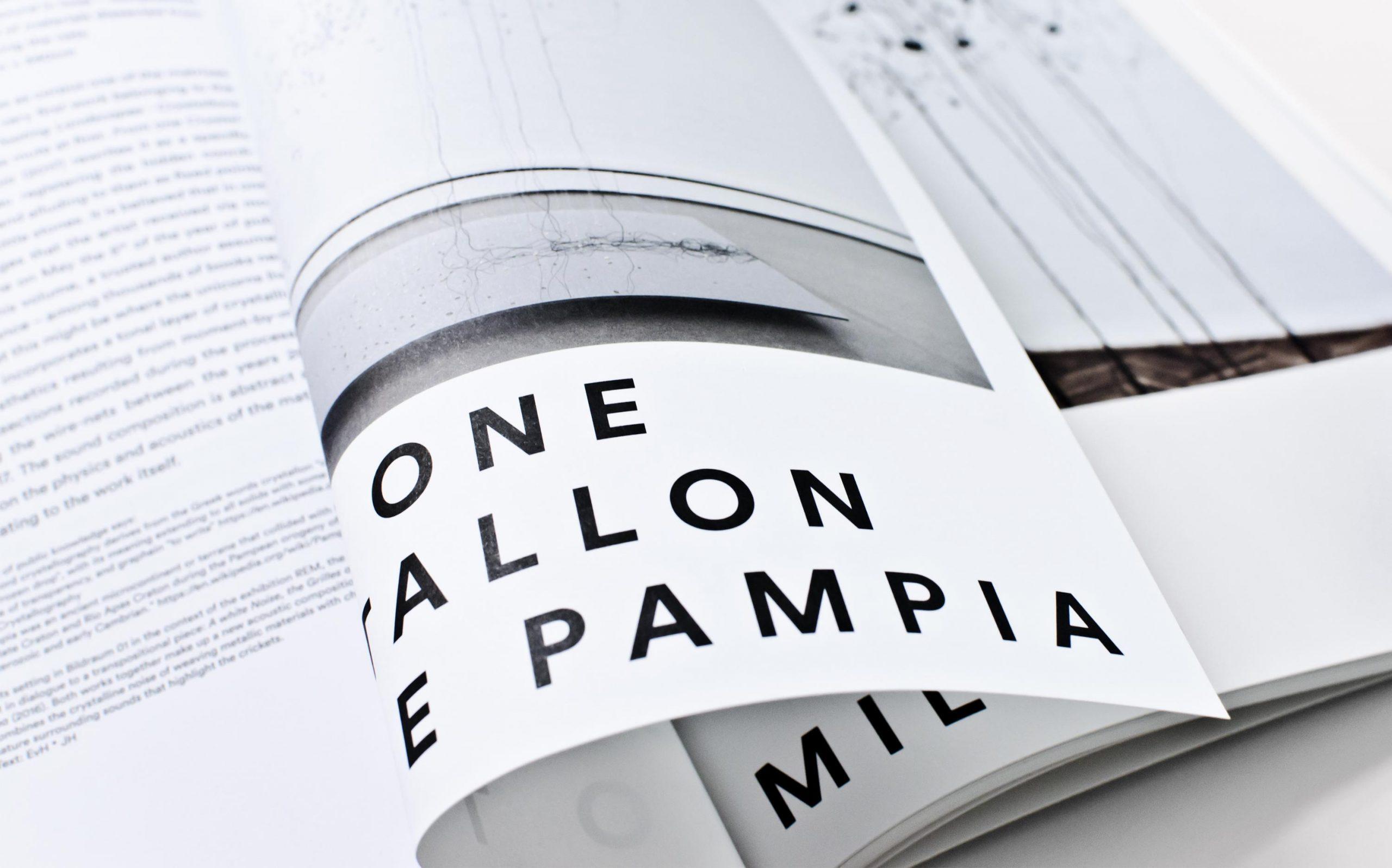 Detail aus Juliana Herrero – REM 1:1 | zwei Werktitel, gesetzt in LL Circular, umgeschlagene Seite | Keywords: Editorial Design, Artist Book, Künstlerbuch, Buchgestaltung, Grafikdesign, Design, Typografie