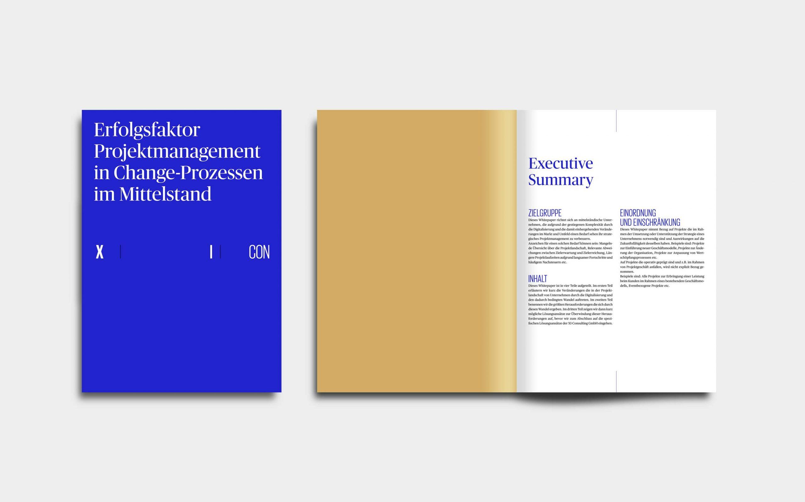 Cross Industry Consulting | Cover und Innenseiten des Projektmanagement Whitepapers in Signalblau, Gold und weiß | Keywords: Corporate Design, Logo, Grafikdesign, Design, Typografie, Whitepaper, Strategie, Beratung