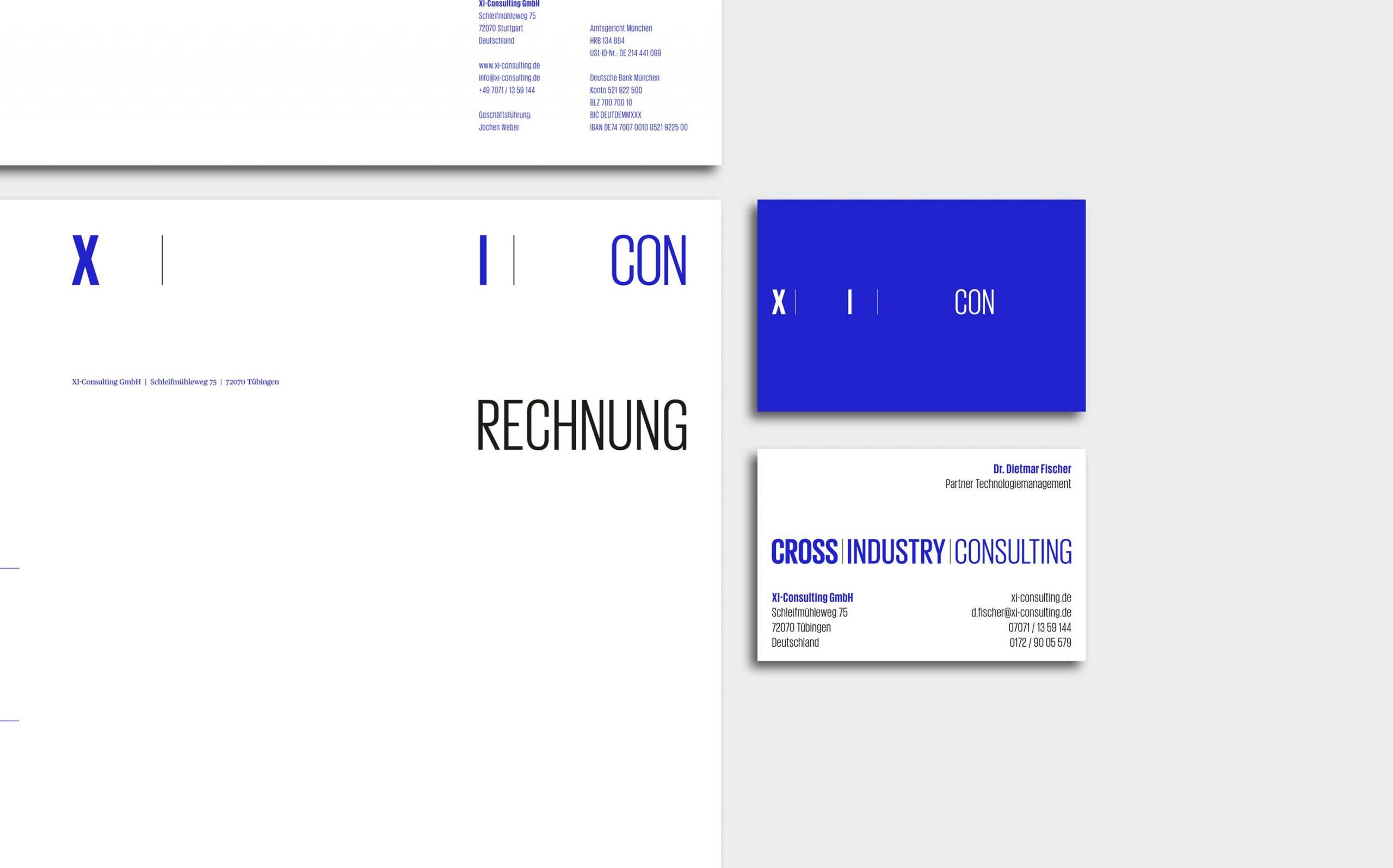 Cross Industry Consulting | Corporate Design Stationary mit Rechnungsvorlage, daneben Visitenkarten, blau auf der Vorderseite und weiß auf Rückseite | Keywords: Corporate Design, Logo, Grafikdesign, Design, Typografie, Whitepaper, Strategie, Beratung